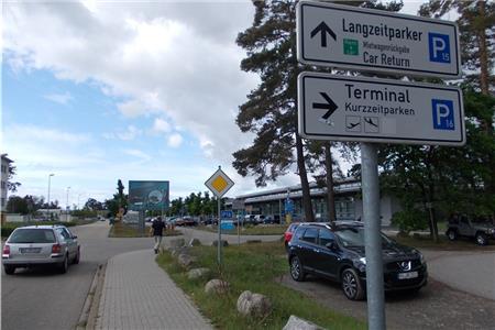 Parken Am Airpark Baden